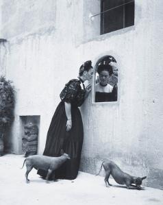 Manuel_lvarez_Bravo_Frida_Kahlo_1944_