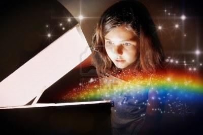 13897458-una-nina-de-abrir-un-cofre-magico-y-la-creacion-del-arco-iris-libre-entre-las-estrellas-brillantes-n